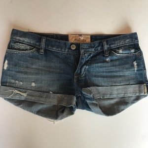 Hollister size 1 Distressed Cuffed Jean Shorts